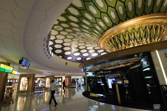 One of the shopping corners at Abu Dhabi airport. Photo by Ahmed Hashim.
